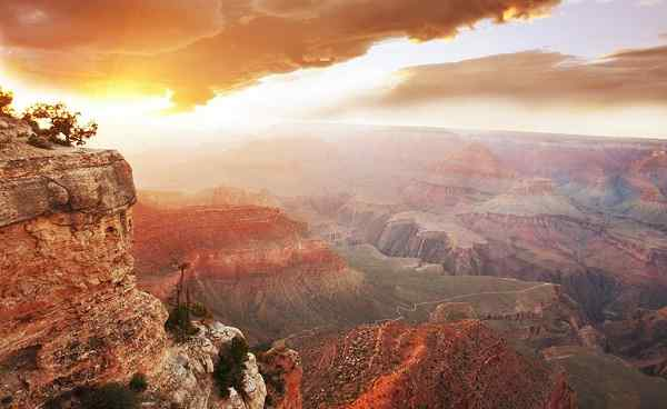 usa-sudwest Grand Canyon at sunrise